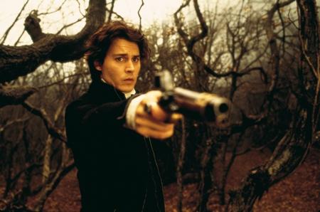 Ichabod Crane (Johnny Depp) muss sich wehren (Foto: Constantin Film)