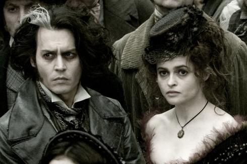 Meisterschlitzer Sweeney Todd (Johnny Depp) und Mrs. Lovett (Helena Bonham Carter) haben sich verbündet (Foto: Warner Home Video)