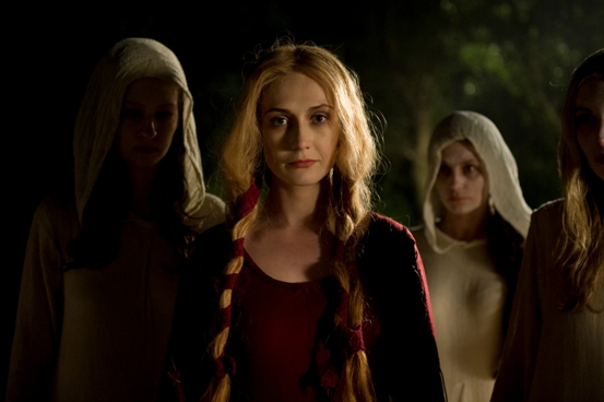 Die schöne Langiva (Carice van Houten) gibt Rätsel auf (Foto: Fantasy Filmfest / Central Film)
