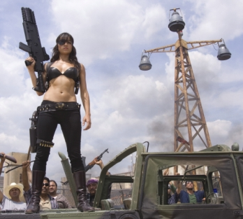 Luz (Michelle Rodriguez) hat sich umgezogen (Foto: Sony Pictures)
