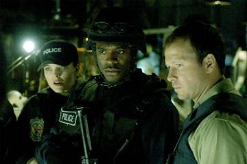Polizist Matthews (Donnie Wahlberg, re.) fühlt sich hilflos (Foto: Studiocanal)