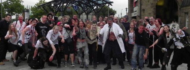 Zombiewalk Hamburg 2011 Gruppenbild (Foto: Horrormagazin.de)
