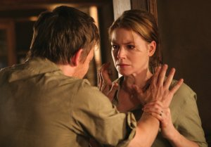 Mary (Heather Stephens) glaubt John (Norman Reedus) nicht mehr (Foto: Ascot Elite)