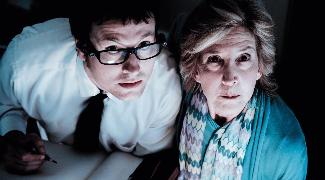 Specs und Elise sind aufmerksame Geisterjäger (Foto: Central Film)