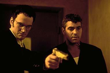 Richy (Quentin Tarantino, li.) und Seth (George Clooney) haben ein paar Fragen (Foto: Studiocanal)