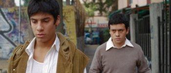 Alfredo und Julián auf dem Weg nach Hause (Foto: Alamode Film)