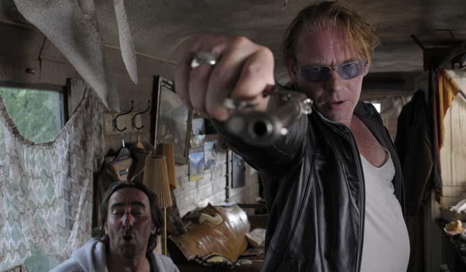 Ben Becker geht auf seinen Regisseur los (Foto: Eurovideo)