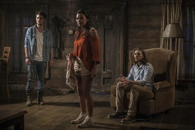 David, Olivia und Eric warten darauf, dass es los geht (Foto: Sony Pictures)
