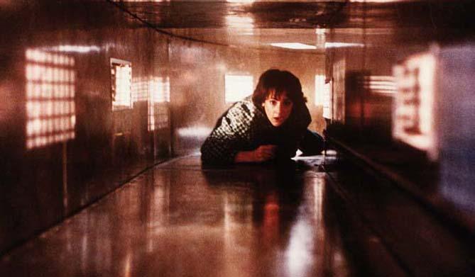 Lori macht einen auf John McClane (Foto: Ascot Elite)