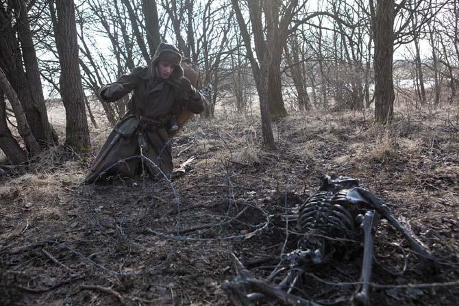 Die Truppe findet seltsam verstümmelte Leichen (Foto: Ascot Elite)