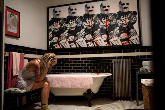 Selbst auf Toilette hat Heidi kein bisschen Ruhe (Foto: Universal Pictures)
