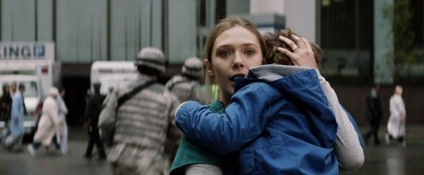 Elle Brody (Elizabeth Olsen) auf der Flucht (Foto: Warner Bros)