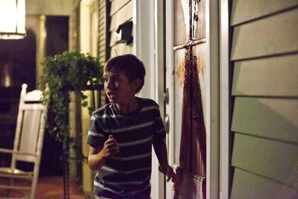 """""""Mami, ein Penner hat uns an die Tür gekotzt!"""" (Foto: WVG Medien)"""