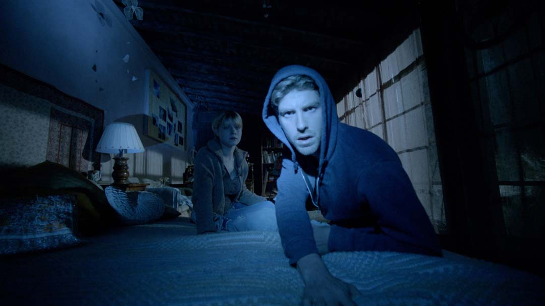 Scott und Penny gucken in die Röhre (Foto: Universum Film)