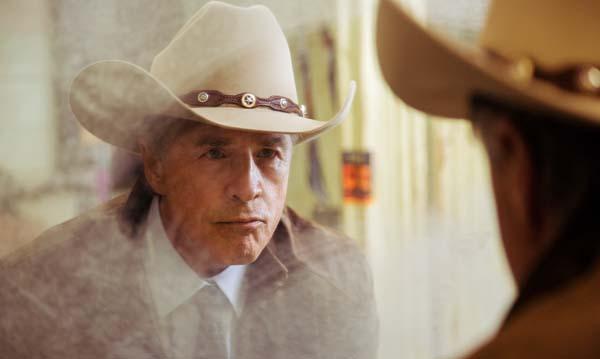Don Johnson spielt Earl McGraw (Foto: WVG Medien)