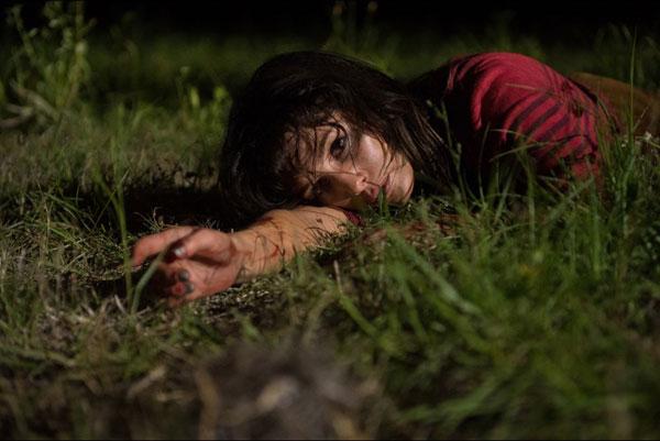 Kurz Verschnaufpause im Gras (Foto: Tiberius Film)