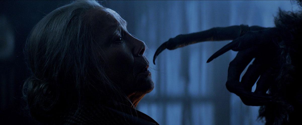 Mit Oma telefonieren (Foto: Universal Pictures)