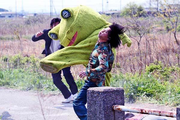 Applaus, Applaus, Applaus! Der Frosch teilt aus! (Foto: Koch Media)