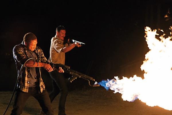 Da hilft nur noch Feuer unterm (Wolfs-)Arsch (Foto: EDEL)