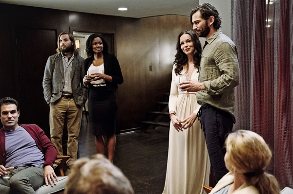 Keine Feier ohne Meier: Obwohl das Verhältnis zur Ex nicht das beste ist, nimmt Will (links stehend) ihre Party gerne mit. (Foto: Pandastorm Pictures)