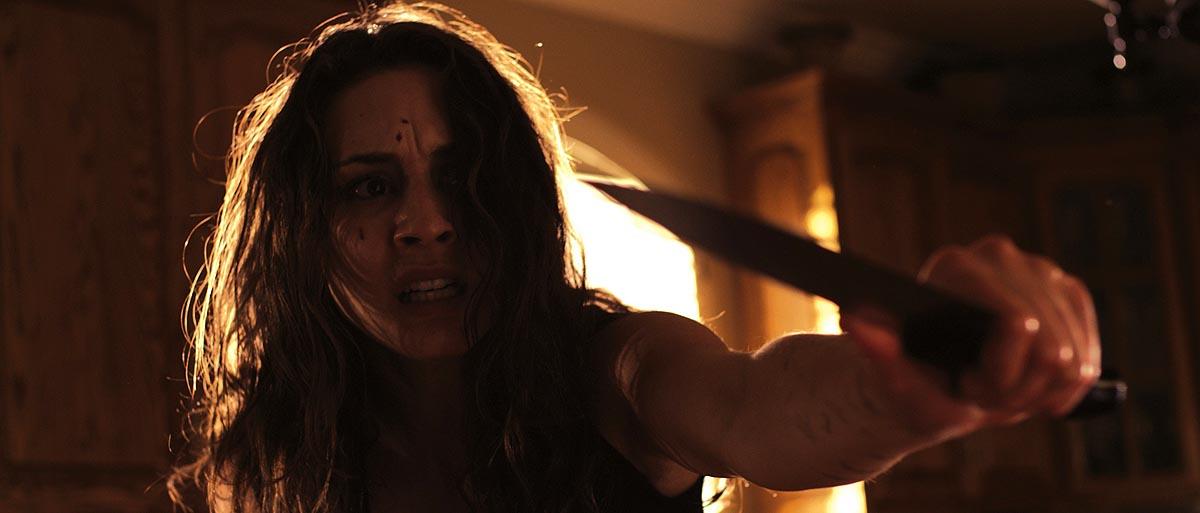 Lucie kämpft gegen ihre Dämonen (Foto: Tiberius Film)