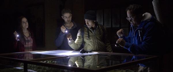 Vier Taschenlampen - ein Ziel (Foto: Universum Film)