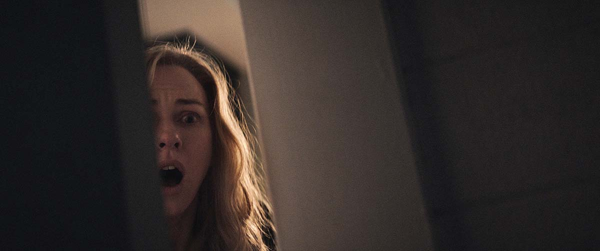 Böse Überraschung: Diese Tür hätte Mary besser zu gelassen (Foto: Universum Film)