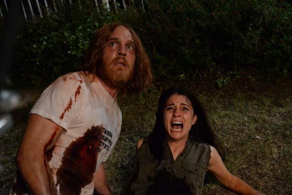 Jesse und seine Frau haben Angst um ihr Leben (Foto: Splendid Film)