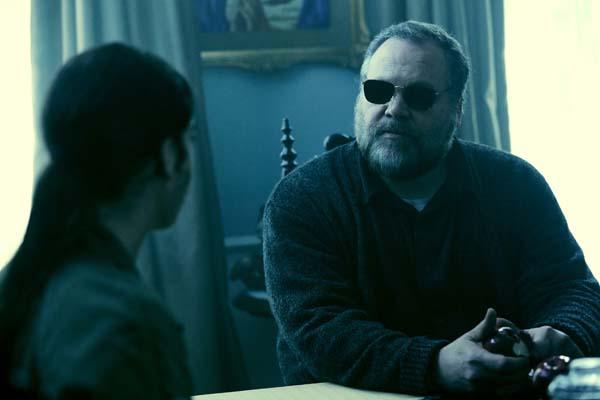 Schwer zu durchschauen: Was weiß der blinde Burke? (Foto: Paramount/Universal Pictures)