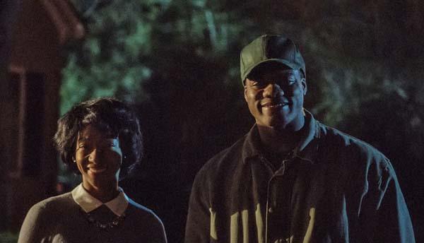 Freuen sich: Die Haushälter der Armitages (Foto: Universal Pictures)