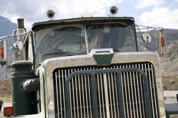 Der Truck will sich was auf den Grill legen (Foto: Tiberius Film)
