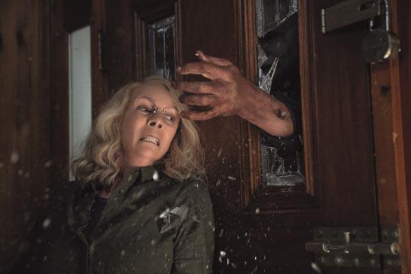Klopfen war gestern: Myers hält nicht viel von verschlossenen Türen (Foto: Universal Pictures)