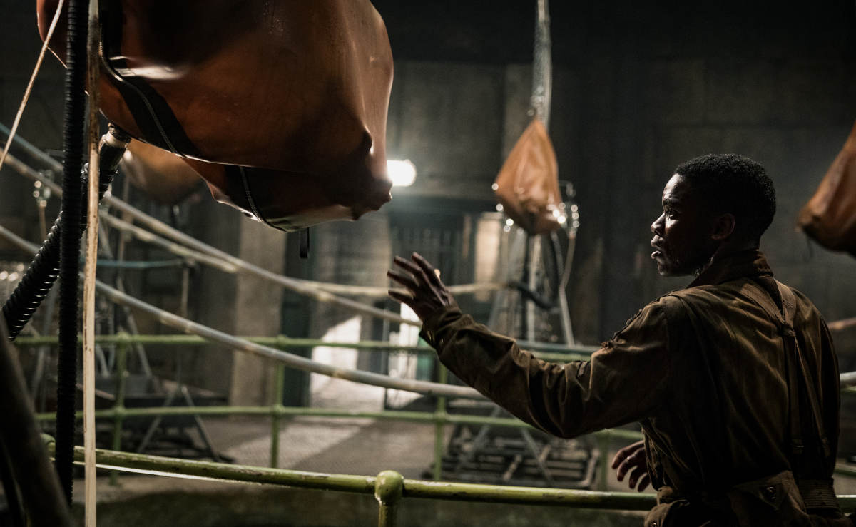 Nur gucken, nicht anfassen: Ob Boyce (Jovan Adepo) diesen Sack wirklich öffnen sollte? (Foto: Paramount Pictures)