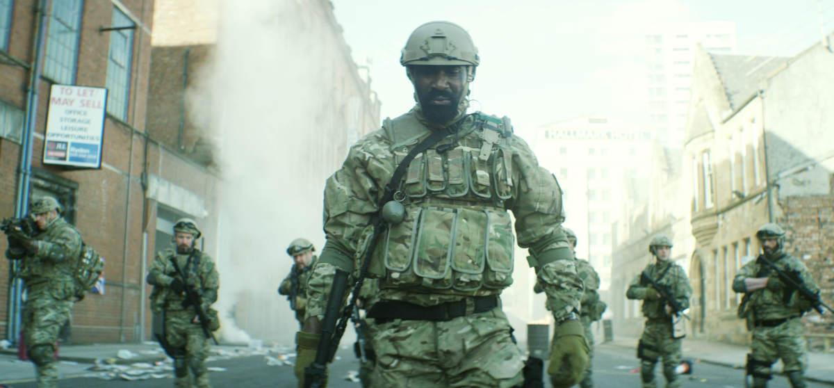 Die Soldatentruppe bummelt durchs ausgestorbene London (Foto: OFDb Filmworks)