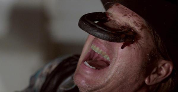 Wieder was gelernt: Hufeisen bringen nicht immer Glück (Foto: Sony Pictures HE)