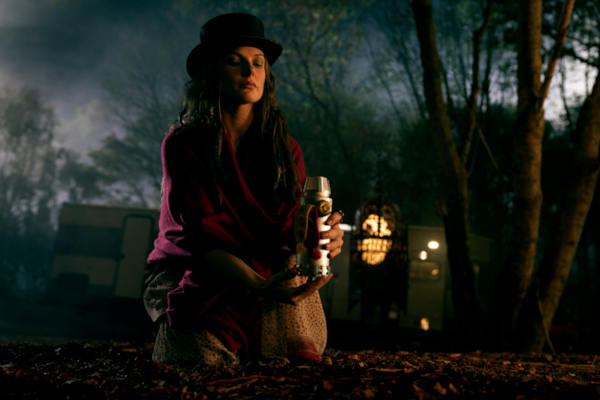 Ziemlich böse – und mit Hut: Rebecca Ferguson als Rose (Foto: Warner Bros. HE)